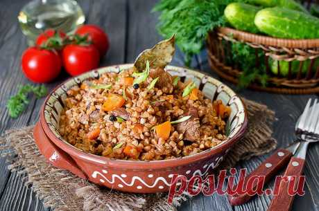 Топ-9 вкуснейших блюд с гречкой Гречневая крупа или гречка, как часто называют ее в быту, считается одним из полезнейших продуктов, который имеется в каждом доме. Из нее варят кашу или готовят гарниры, добавляют в супы и пр. Благода…