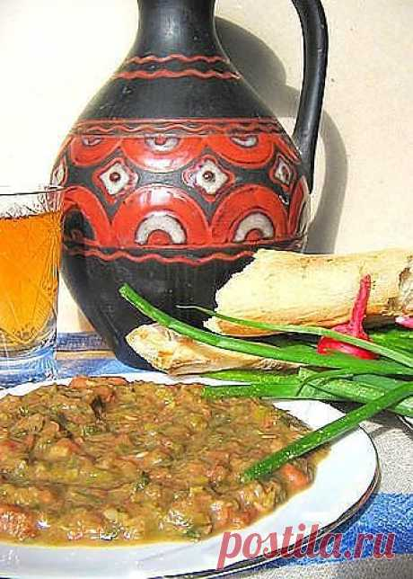 Лобио (фасоль) с луком пореем