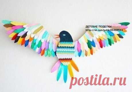 Радужная птичка из кусочков ткани