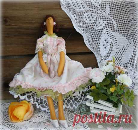 кукла Алина.Рост 42см.изготовлена из натуральных материалов