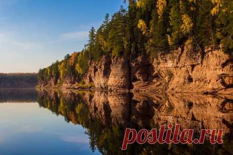 Закат на реке Пинега, Архангельская область. Автор фото — Евгений Ширипин: nat-geo.ru/photo/user/50907/