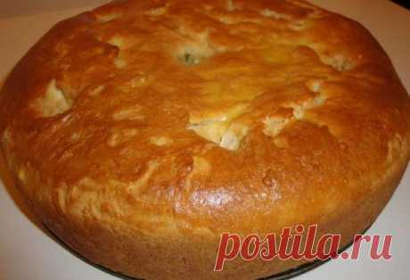 Dough for any pie \u000a\u000aIngredients: \u000a3,5 glasses of flour, \u000a1 glass of kefir, \u000a200 gr. margarine, \u000a1 egg, \u000asoda - 1 h a spoon, \u000aegg for pie top greasing. \u000a\u000aWay of preparation: \u000aMargarine to grate, add egg, soda, kefir, flour. To knead dough and to put in the refrigerator approximately for 1 hour. \u000aThen we roll layer, we fold double, we roll, once again twice (like puff). \u000aWe spread a stuffing: mincemeat + potato, or any sweet stuffings, call all...