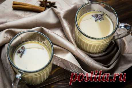 Согревающий чай масала - рецепт от Евгения Клопотенко Любите согревающие напитки, но не употребляете алкоголь? Вам на помощь придёт удивительный и согревающий Чай Масала со специями и молоком.