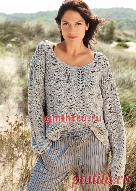 Серый пуловер оверсайз с волнистым узором. Вязание крючком со схемами и описанием