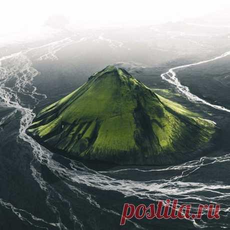 Зелёный вулкан в Исландии