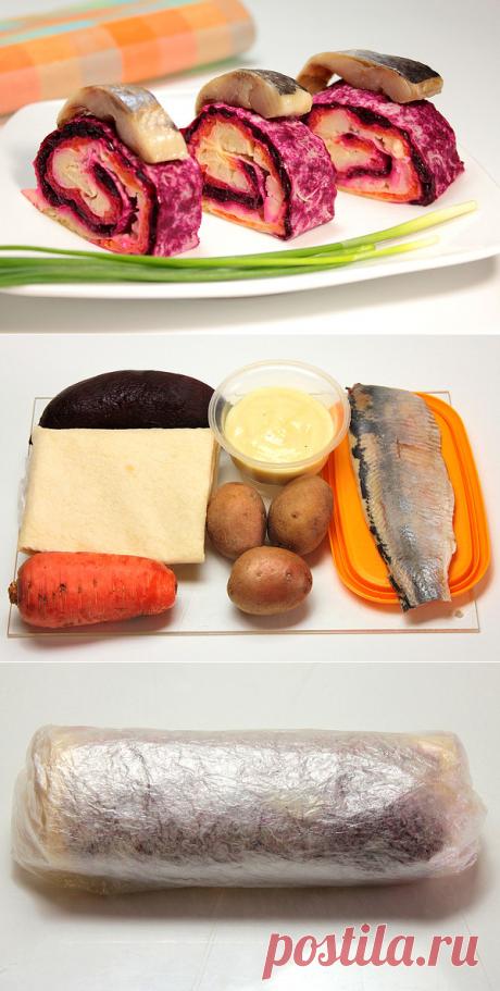 В ЛАВАШ -ШУБКА С СЕЛЬДЬЮ  **Слоями на плёнку: 1)лаваш, майонез, свекла, 2)лаваш, майонез, морковь, 3)лаваш, майонез, карт/пюре. *В рулет, по малой стороне - чтобы слоёв больше. *В холод: на 1час. *Подача: порция в 3-4см, сверху - кусочек сельди, зелень.