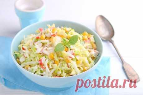 Салат из крабовых палочек с белокочанной капустой — Sloosh – кулинарные рецепты
