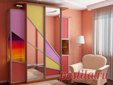 Шкаф-купе в спальню с оригинальным дизайном дверей на заказ: фото, идеи, новинки. Выезд замерщика по Москве и области.
