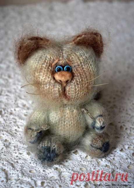 вязаный кот мартовский