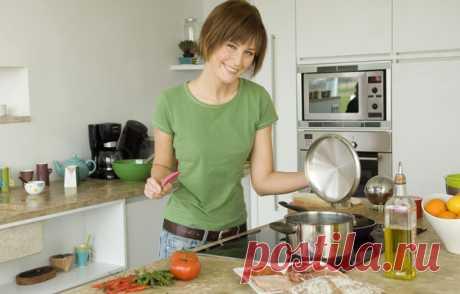 15 дел, которых ни в коем случае нельзя делать на кухне | Четыре вкуса