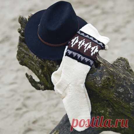 Белые носки с орнаментом - схема вязания спицами. Вяжем Носки на Verena.ru