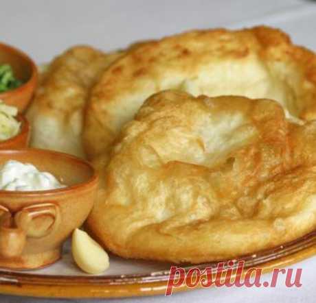 Хрустящие и румяные венгерские лепёшки Лангош с картофелем | просто здорово! | Яндекс Дзен