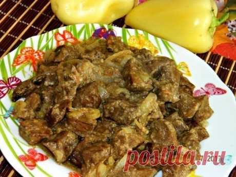 Печень, приготовленная в рукаве для запекания в духовке  А Вы пробовали готовить печёнку в рукаве для запекания в духовке? Если нет, то обязательно приготовьте по этому рецепту. Печёночка получается очень сочной, нежнейшей, необыкновенно вкусной. А готовится ну очень просто!  Ингредиенты: Печень говяжья (но можно и свиную) Кефир - 1 стакан Крахмал - 1 ст.л. Яйцо - 1 шт. Специи, соль - по вкусу Лук - 1 шт. Чеснок - по желанию  Приготовление:  Печень отделяем от плёнки, моем...