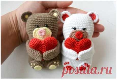 Плюшевый мишка и мишка-валентинка