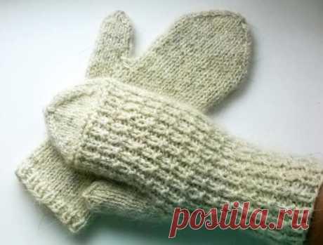 Простейший и симпатичный узор на зиму для варежек, носков.
