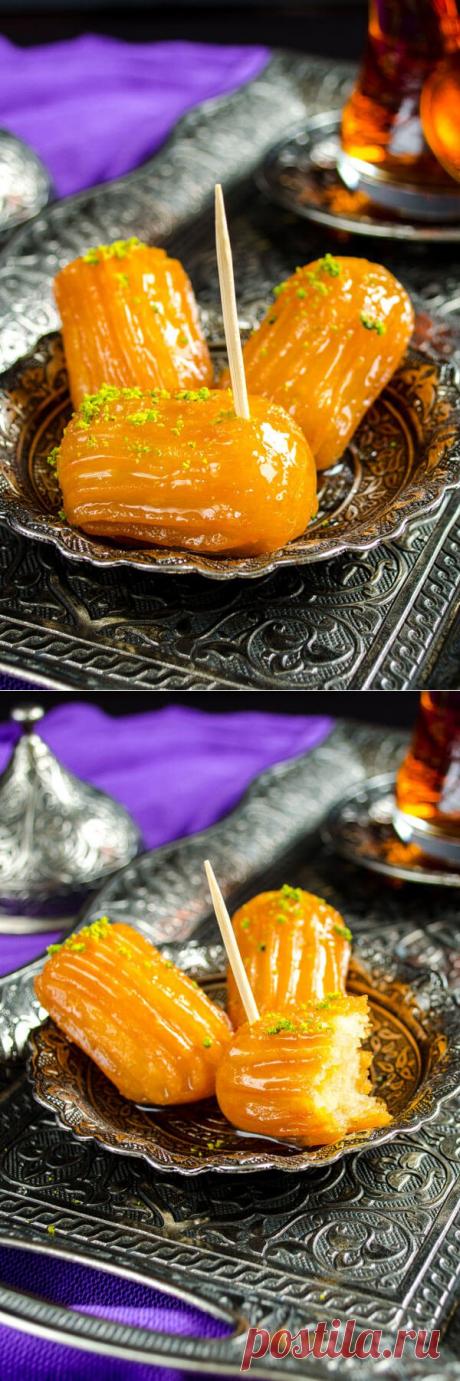 El postre turco de Tulumba (o el pepino dulce) — los hojaldres corrujientes cocidos — las recetas Sabrosas