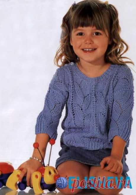 Ажурный пуловер для девочки вязаный спицами