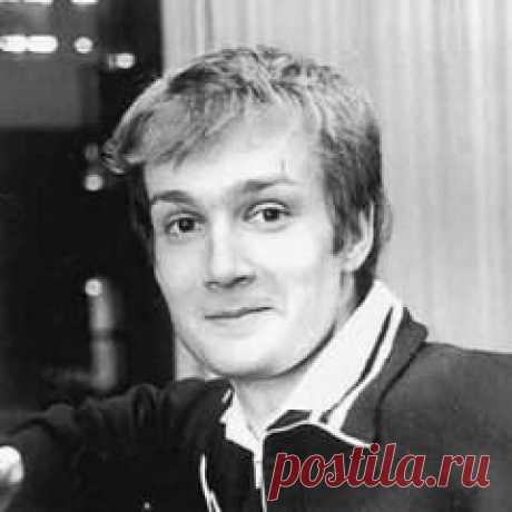 Сегодня 21 июля в 1967 году родился(ась) Дмитрий Холодов