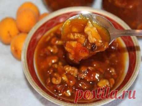 Абрикосовое варенье с грецкими орехами — Sloosh – кулинарные рецепты