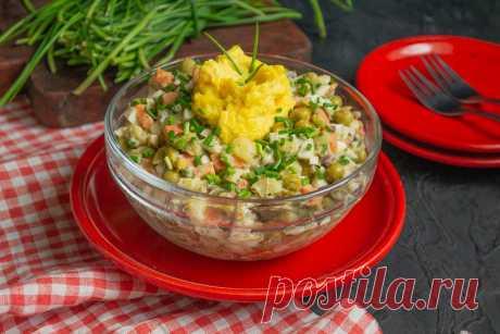 Простой рыбный салат с сайрой. Пошаговый рецепт с фото — Ботаничка.ru