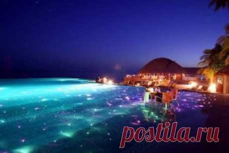 Ночь на Мальдивах.