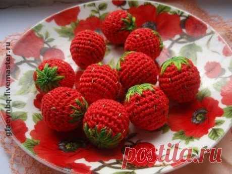 Ягода крючком. Клубника. Мастер-класс. How to crochet strawberries