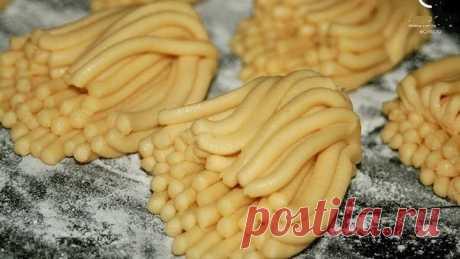 """Las galletas del \""""Crisantemo\"""" de la infancia. O las galletas \""""a través de la picadora de carne\"""""""