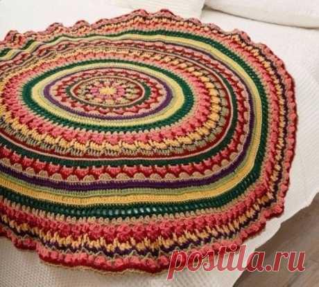 Яркий круглый коврик для дома. Крючком. Схемы. / knittingideas.ru