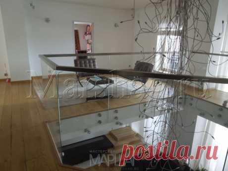 Лестницы, ограждения, перила из стекла, дерева, металла Маршаг – Перила атриума из закаленного стекла