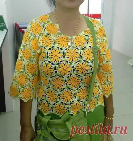 Яркая блуза из мотивов, крючком. Схемы узора. / knittingideas.ru
