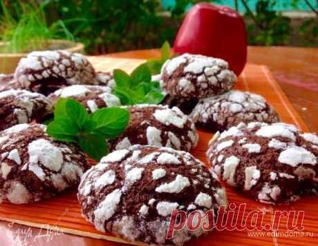 Шоколадное печенье. Ингредиенты: сахарная пудра, соль, разрыхлитель