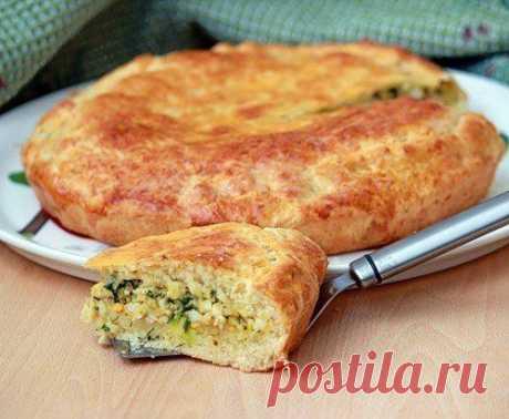 Пирог с зеленым луком и яйцом.
