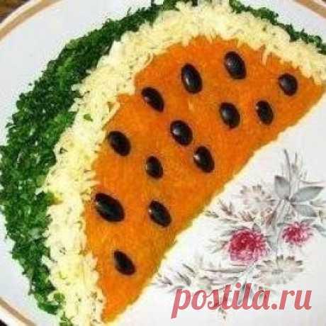 """Салат """"Долька арбуза"""" - красивый салат на праздничный стол!"""