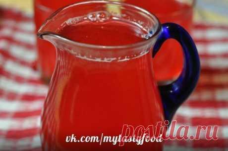 Ягодный морс в мультиварке.  Ингредиенты: 150 г любых ягод (при болезнях хороша клюква) 1-1,2 л воды Показать полностью…
