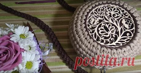 Мастер-класс смотреть онлайн: Мастер-класс по вязанию круглой сумочки из трикотажной пряжи со вставкой | Журнал Ярмарки Мастеров