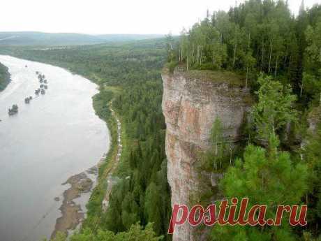 НАШ КРАСАВЕЦ - УРАЛ!!! ЛЮБОВЬ Чернова (Нищенкова)  Наш Урал во всей красе! Самая высокая и красивая скала на известной своими удивительными красотами уральской реке Вишере – это камень Ветлан.