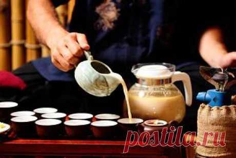 Калмыцкий чай 3 в 1    Вам обязательно понравится калмыцкий чай 3 в 1 , солоновато-сладкий, с приятным запахом зеленого и черного чая.Для калмыцкого чая нам потребуется:- 1,5 чайных ложки черного чая- 1,5 чайных ложки зе…