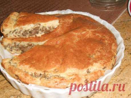 Паштида (еврейский пирог) с мясом.