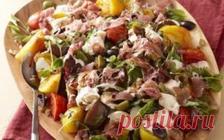Салат с томатом, базиликом, бурратой и яблочным бальзамическим уксусом - Лучшие рецепты для Вас!