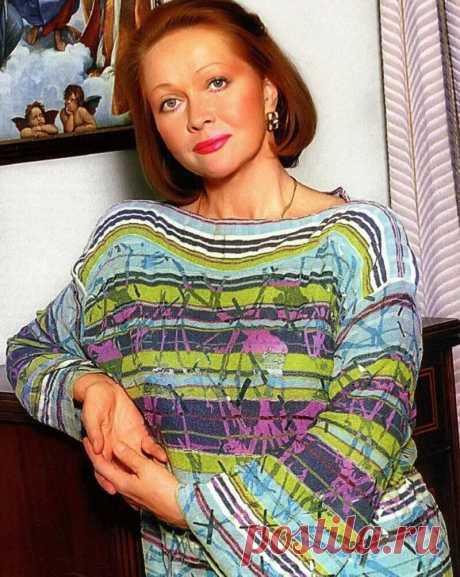 Наталья Гундарева.... 28 августа этой легендарной актрисе исполнилось бы 72 года.... -------------------------------- Как-то с горечи однажды Наталья Гундарева сказала всю правду: «У нас, чтобы к тебе хорошо относились, нужно умереть. Тогда все начинают страдать, говорить, какая ты была хорошая. Все становятся твоими друзьями, а так, пока живешь... »