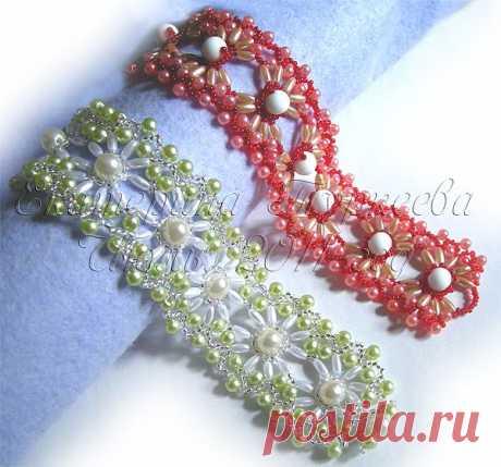 """MK on weaving of an openwork bracelet (""""Мороженое with strawberry джемом"""" """"Фисташковое мороженое"""")."""