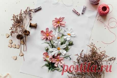 Вышивка лентами: букет космеи   Рукоделие
