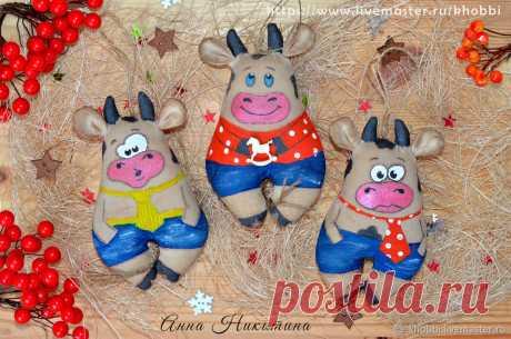 Мастер-класс смотреть онлайн: Шьем новогоднюю игрушку «Бычок» | Журнал Ярмарки Мастеров