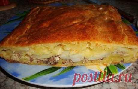 Пирог с рыбными консервами и картофелем Пирог с рыбными консервами и картофелем - сытное блюдо, которое накормит не только семью, но и гостей. Консервы отлично сочетаются с картофелем, котор