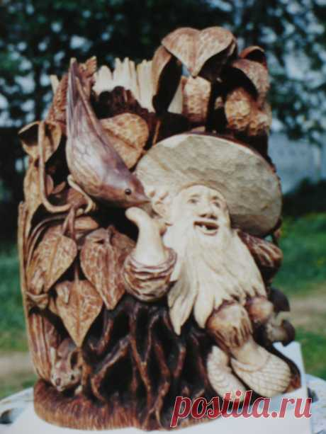 Деревянная ваза для мелких вещей вырезана из одного куска дерева. Размеры: 26 х 20 х 18 см. Продана. Заказы принимаются. Цена 30000 руб.