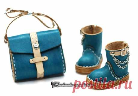 El calzado y las bolsas de la piel para las muñecas. Los modelos