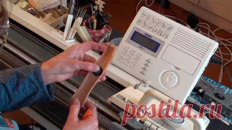 Планки на вязальной машине. Расстановка игл для двухфонтурного вязания. В этом видео уроке я расскажу и покажу как связать на машине двухфонтурную вертикальную планку для застёжки на пуговицы, которая практически подходит для люб...