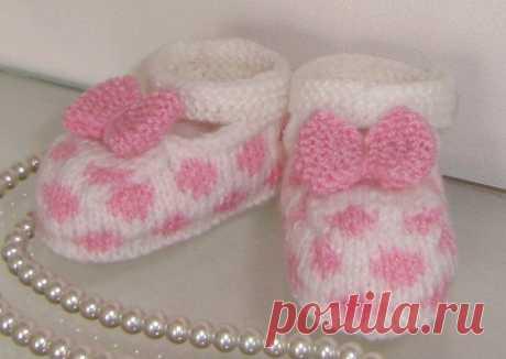 Вязаные спицами туфельки для детей. Детские пинетки вязание спицами | Домоводство для всей семьи.