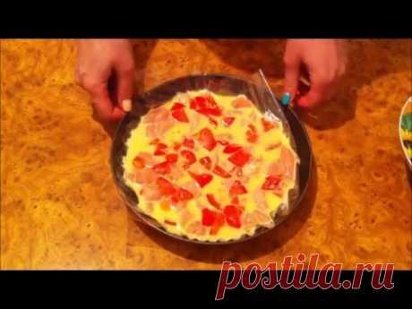 Куриная запеканка с помидорами в духовке. Видео рецепт. Вкусное, диетическое блюдо придется вам по вкусу. Готовится просто и быстро и подойдет вам на любой диете.  За пол часа у вас получится сытное блюдо, которым можно накормить вашу семью.  Пошаговый видео рецепт в статье на сайте