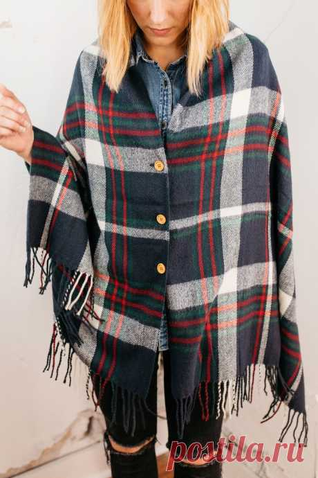 Palatines with buttons (selections) \/ Scarfs \/ Second Street